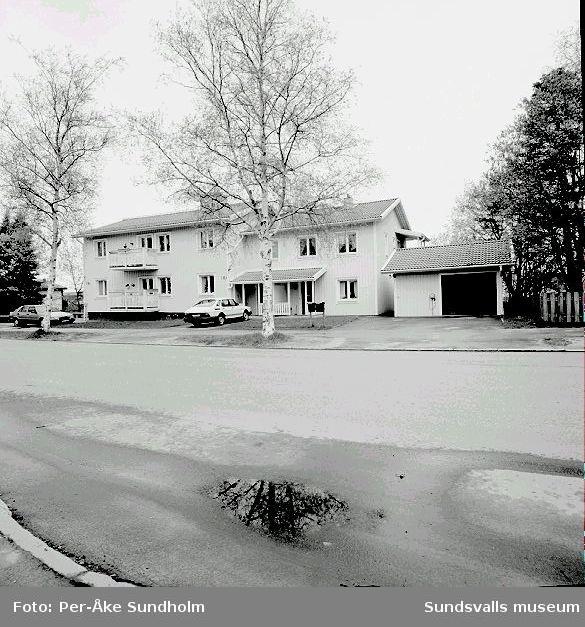 Flerbostadshus och garage, kv. Spiken 4, Södra Allén 18.
