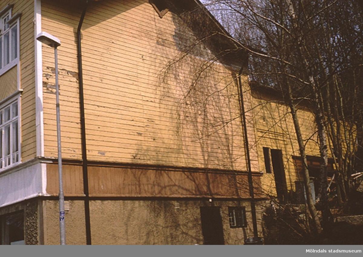 Blå Bandsföreningens hus på Norra Forsåkersgatan 27 (Forsåker 1:29), april 1993. F.d nykterhetsloge, senare bostadshus, sett från sydväst.