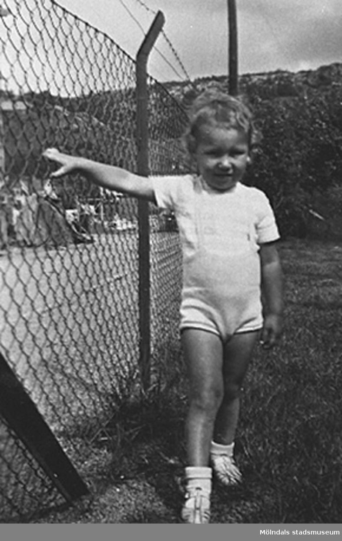 Ett barn på Krokslätts daghem, Dalhemsgatan 7 i Krokslätt. Under Margit Emilssons (gift Wannerberg -52) praktik som biträde1945-10-01 - 1946-08-01.