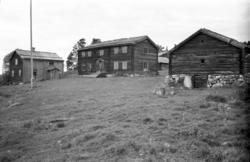 Gammelgårdar från 1700-talet i Myckelgensjö. Fotograferat fö