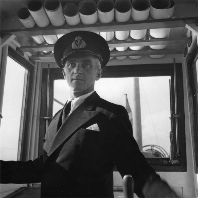 Postångfartyget Öland (II) trafikerade linjen Kalmar-Färjestaden 1931-1952. Därefter övertogs fartyget av Kalmarsundsbolaget.