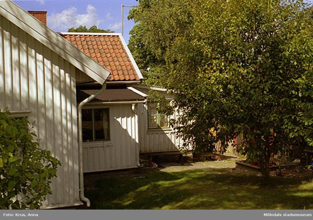 Ett exempel på tillbyggnader i Kvarnbyn.