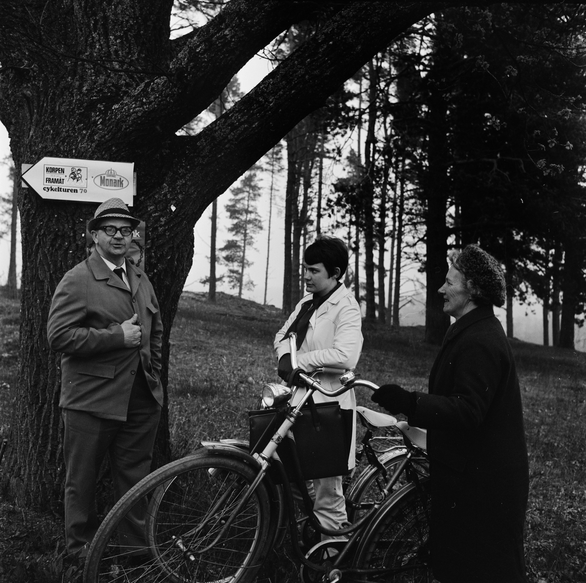 Kylslagen cykelupptakt i Tierp, Uppland maj 1970