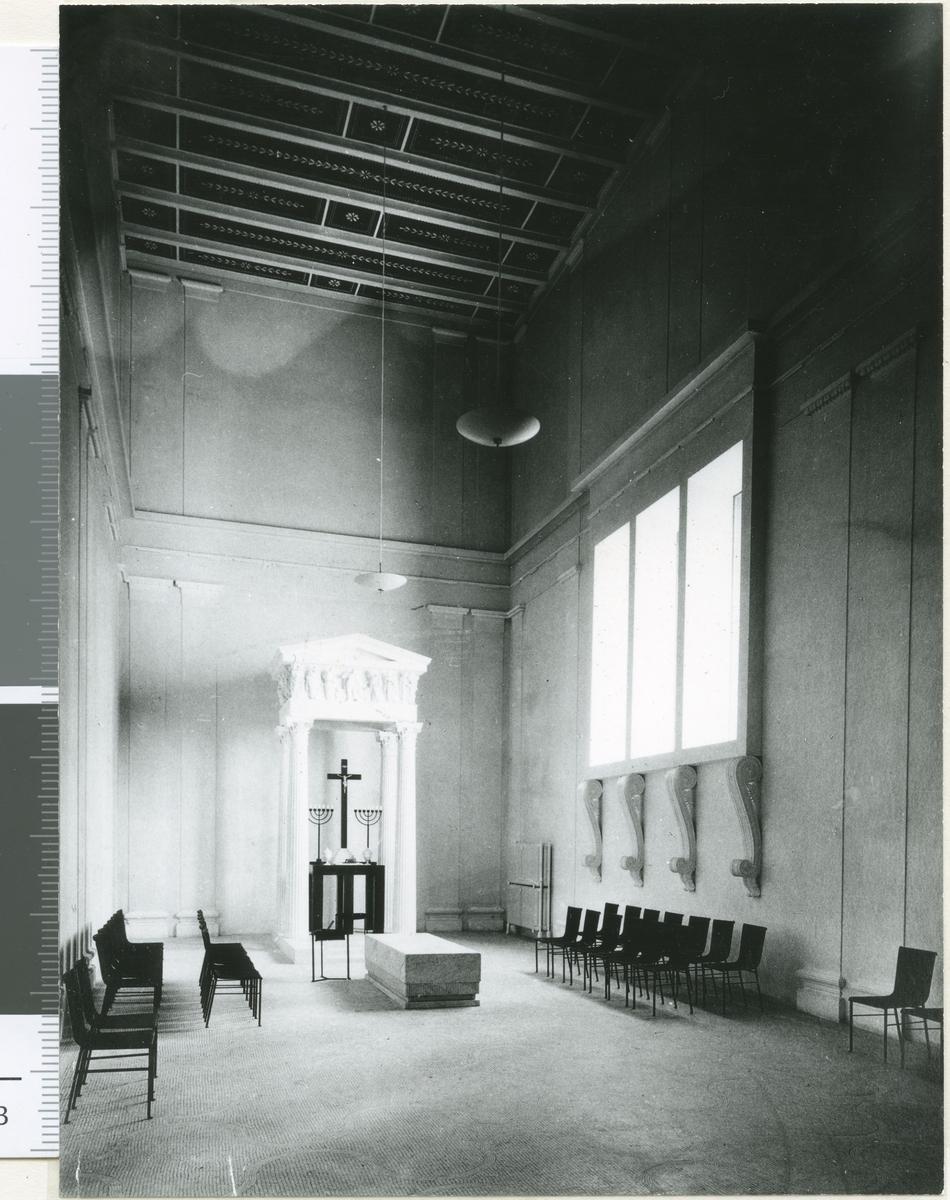 Uppståndelsekapellet, Skogskyrkogården Interiör