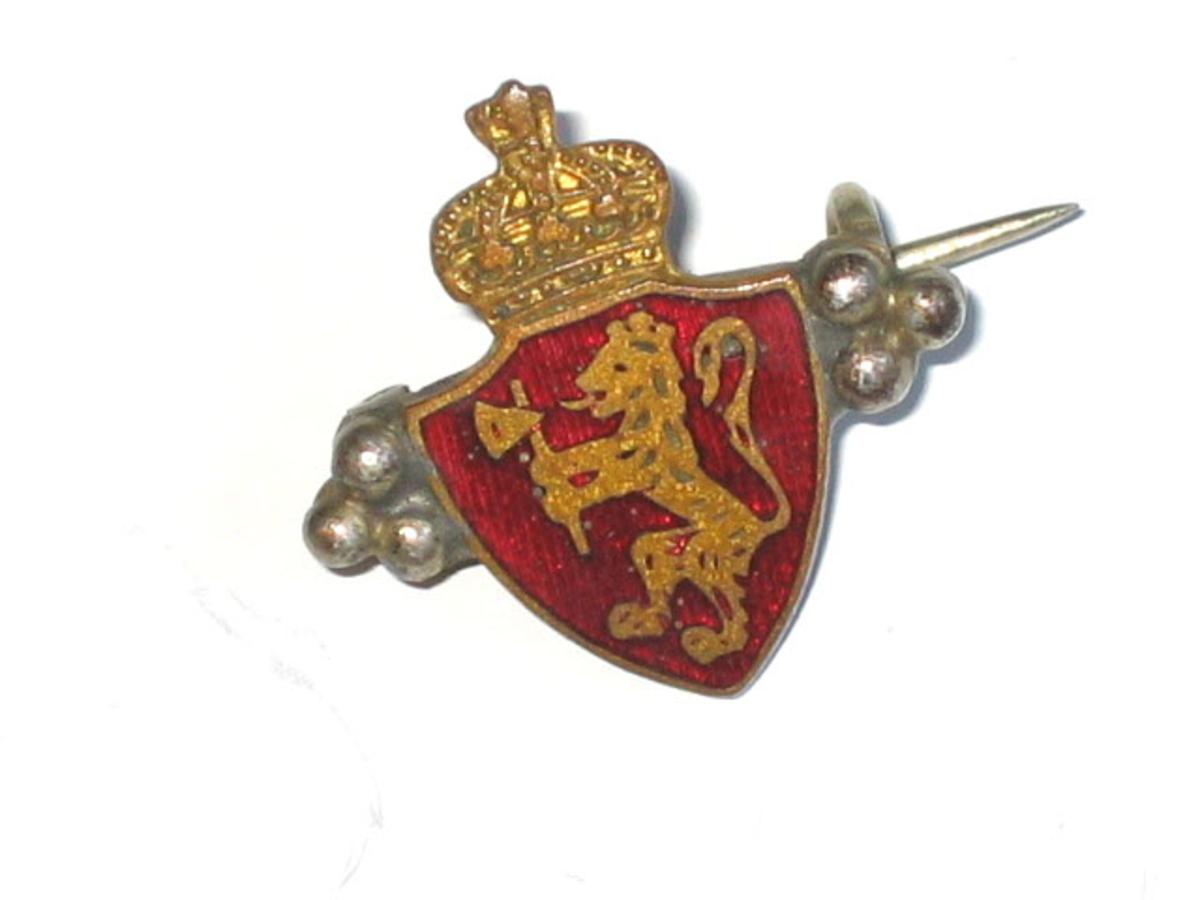 Form: Riksvåpem med krune og løve