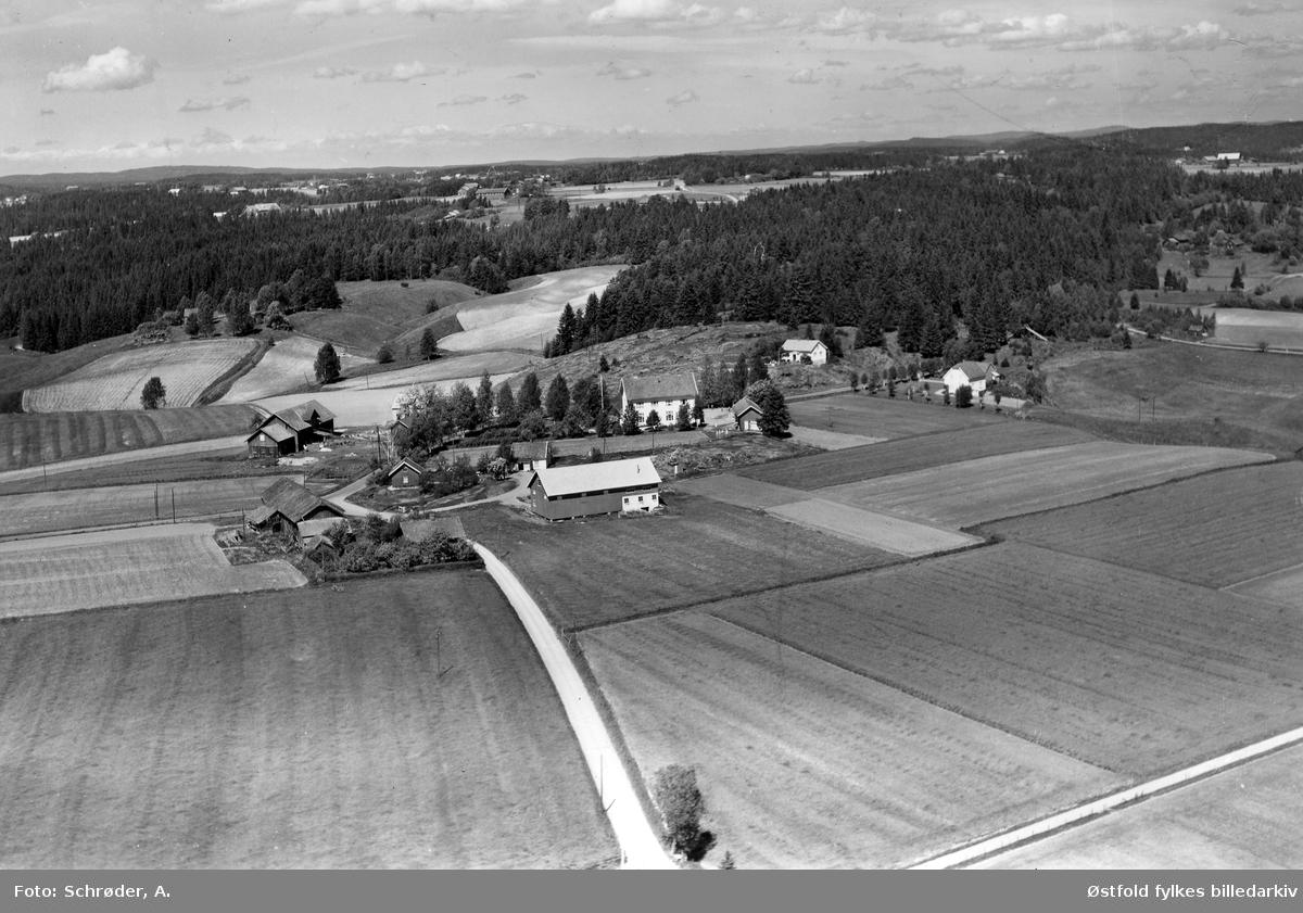 Haugen skole  i Skiptvet, flyfoto 8. juni  1959.