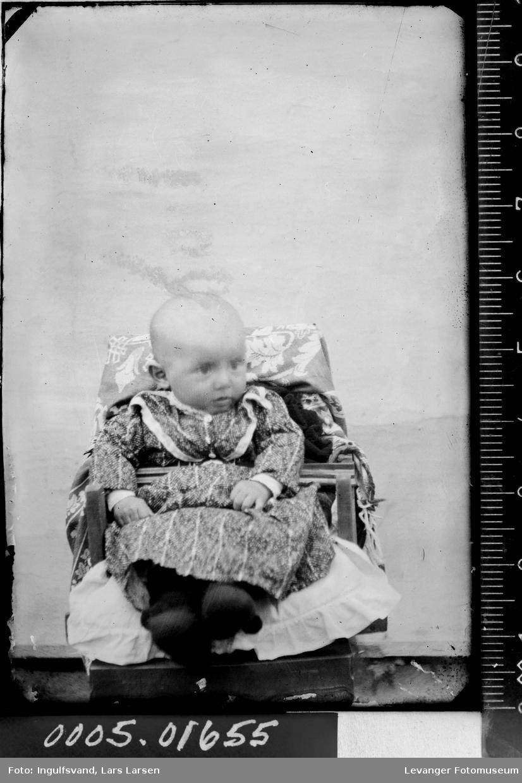 Portrett av et lite barn.