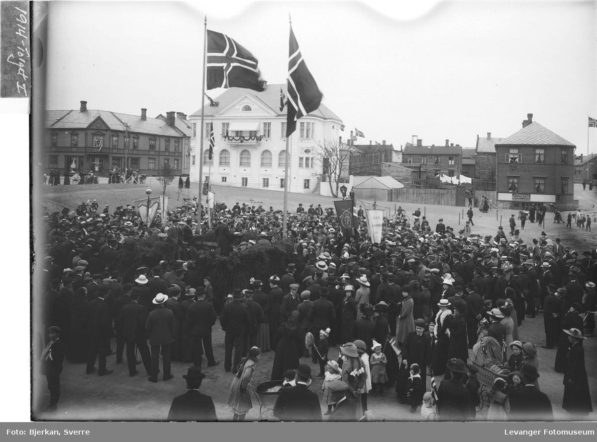 17de Mai 1914 på Torvet