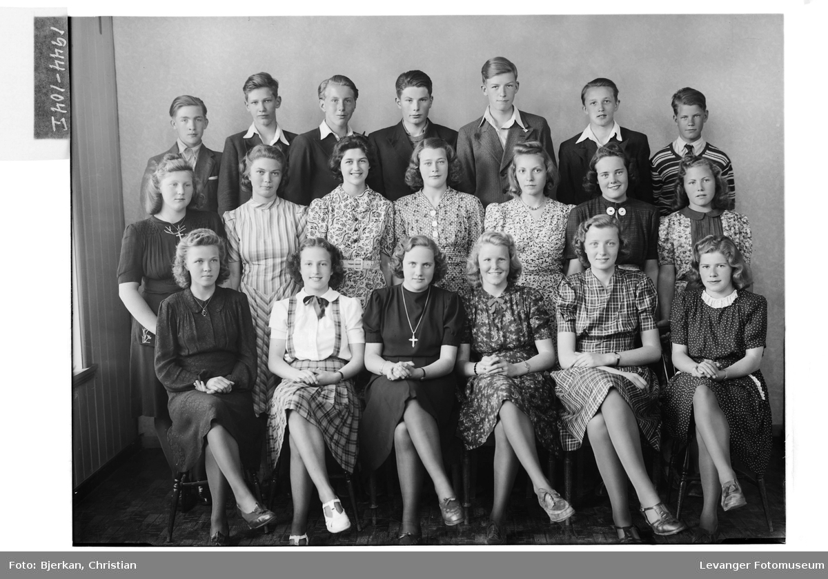 Levanger Realskole, andre klasse  i 1944