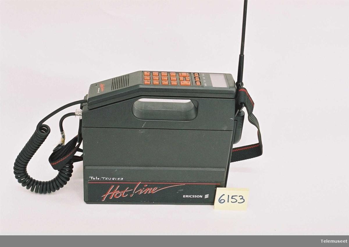 Type: 0915 S/N 9380074 KRC 103 004  Batteri Type: 3501 BKB 191 01/A  R1A Telefonrør: Type2102.