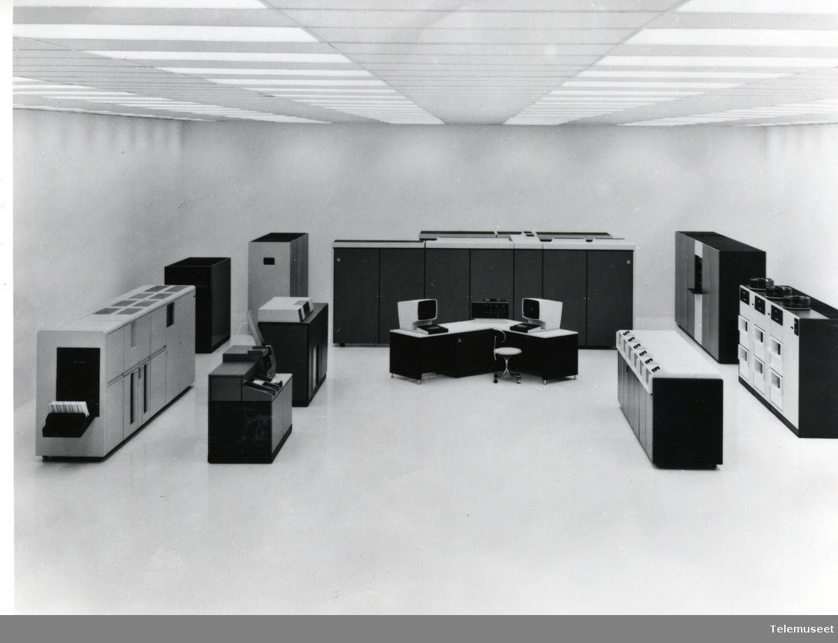 22.0 IBM - Modell 3000 / 30XX