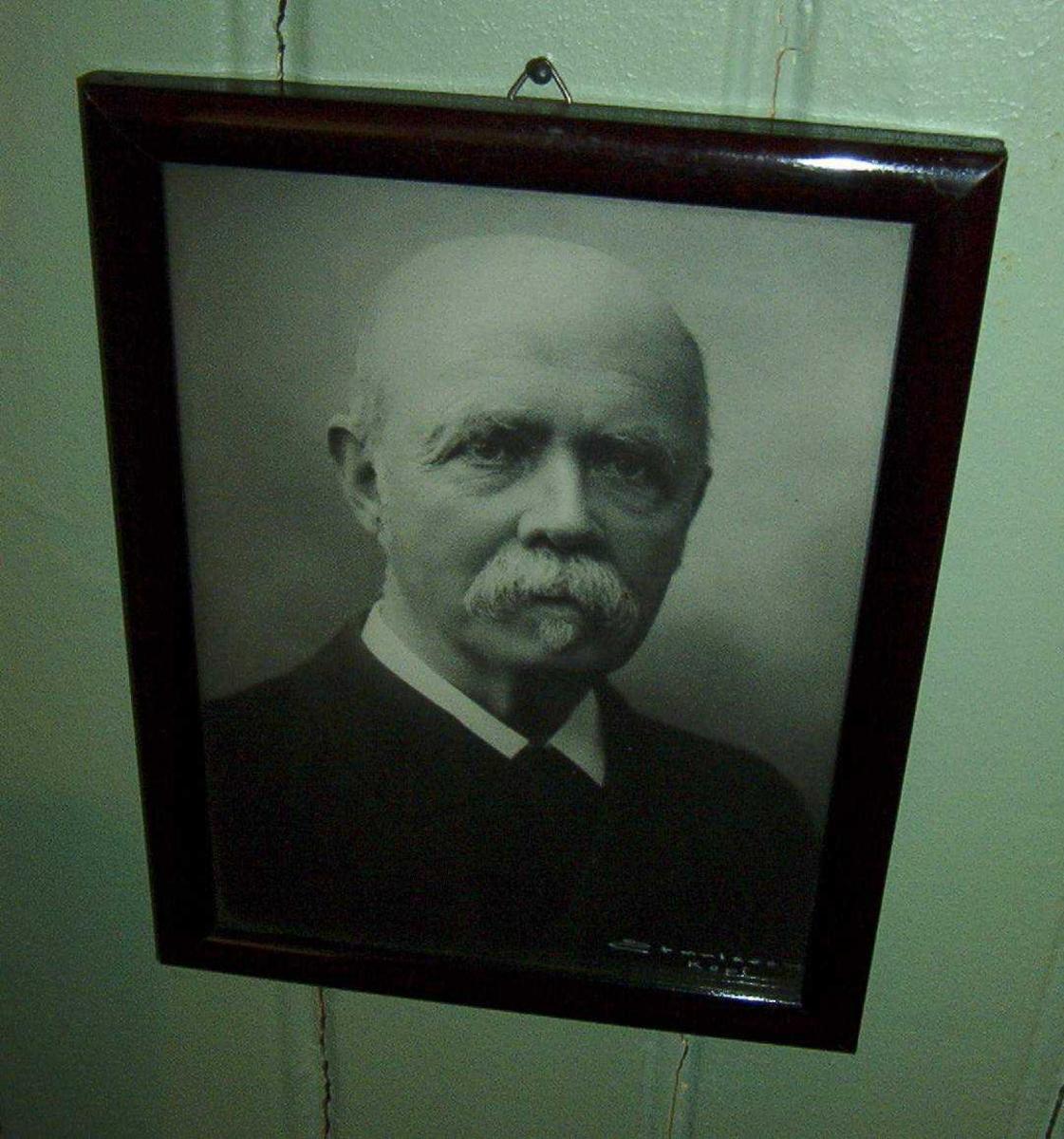 Fengselsdirektør 1887-1892 i Bodsfengselet. R.St.O.O can.med 61 01.01.1877 - 17.12.1892