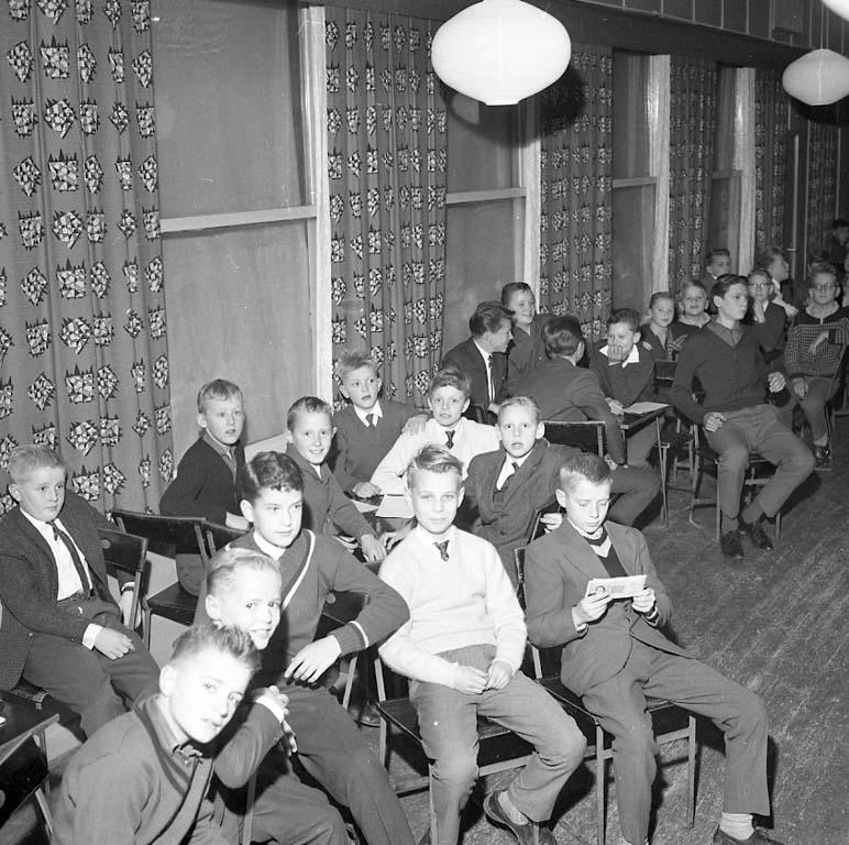 """Enligt notering: """"Oddevold Juniorträff Nov -60""""."""