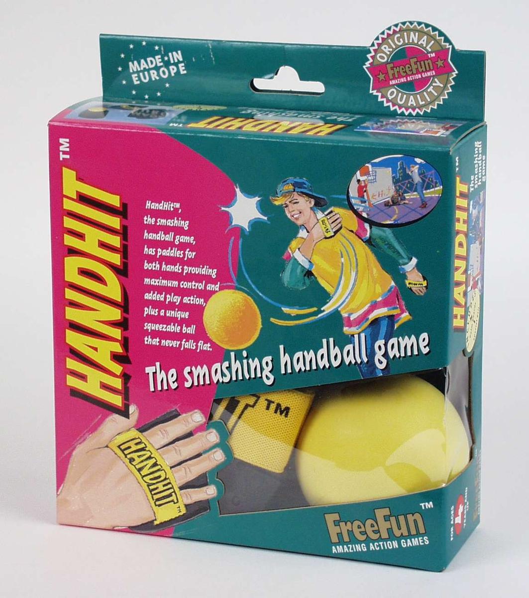 Spillet går ut på å slå ballen med en plate festet til hånden. Spillet har original emballasje.