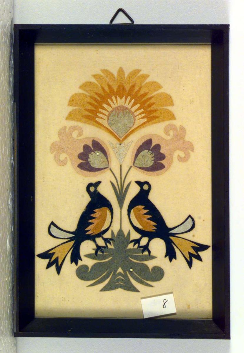 Utklippsbilde med fugler og blomster.
