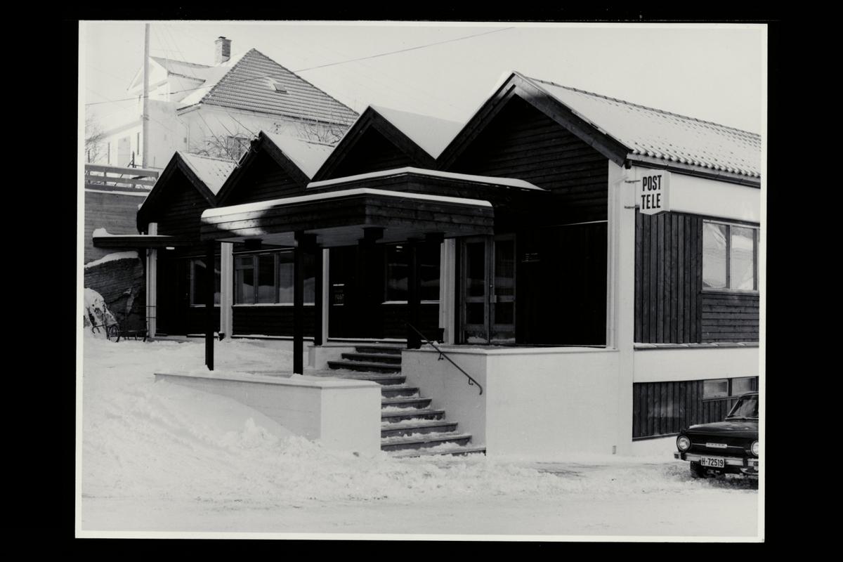 eksteriør, postkontor, 3950 Brevik, innstikkpostkasse