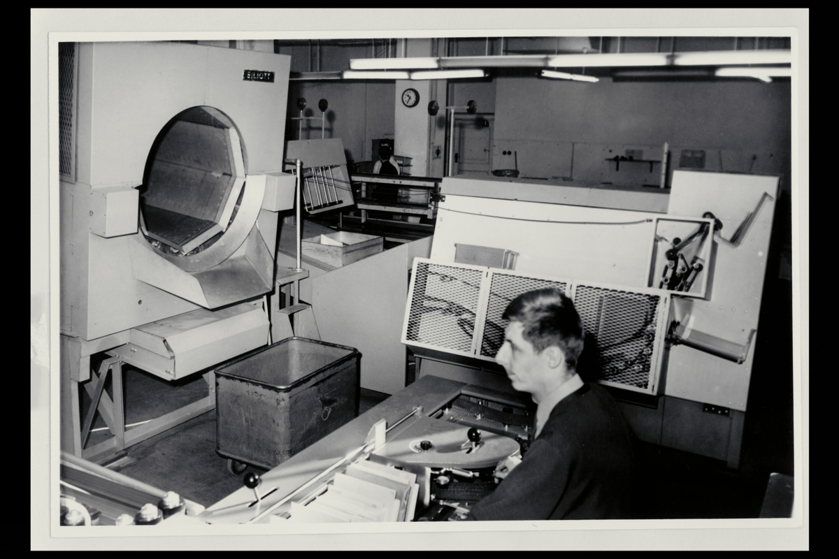 interiør, Postgirokontoret, brevavdelingen, mann, sorteringsanlegg