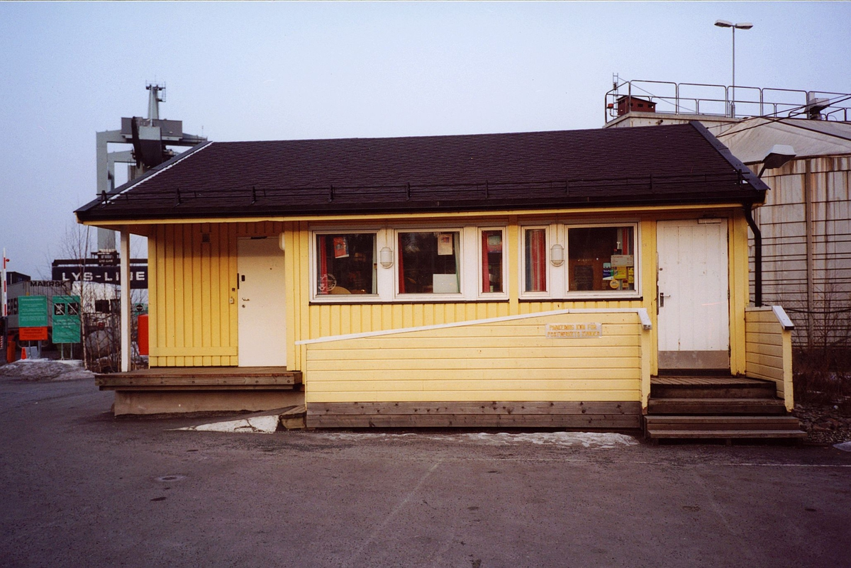 eksteriør, postkontor, 0137 Bekkelaget, inngangsparti