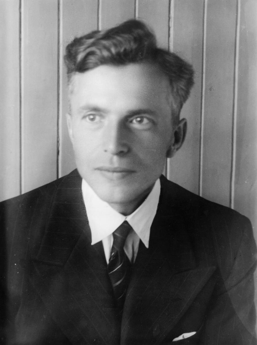midlertidig postmester, Arthur Bertrand Bentzen