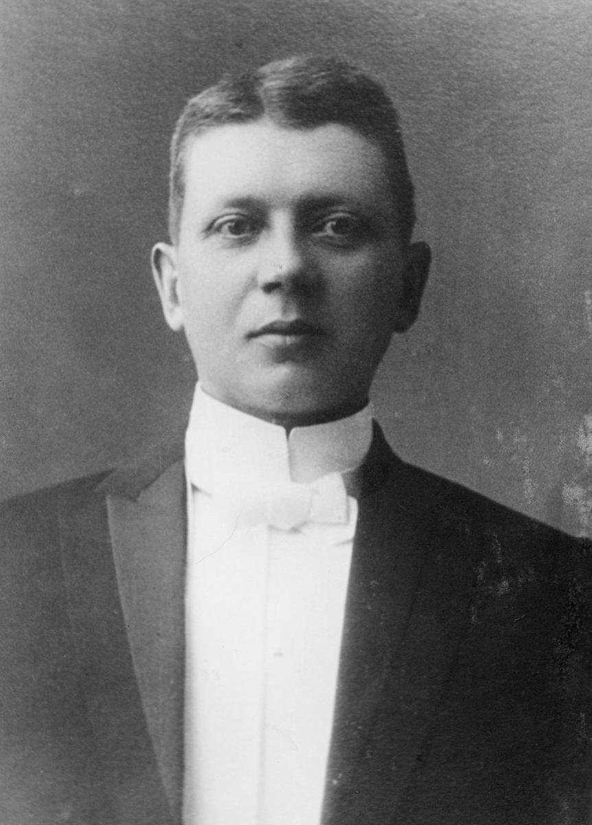 portrett, postmester, Ingar Schiøtz