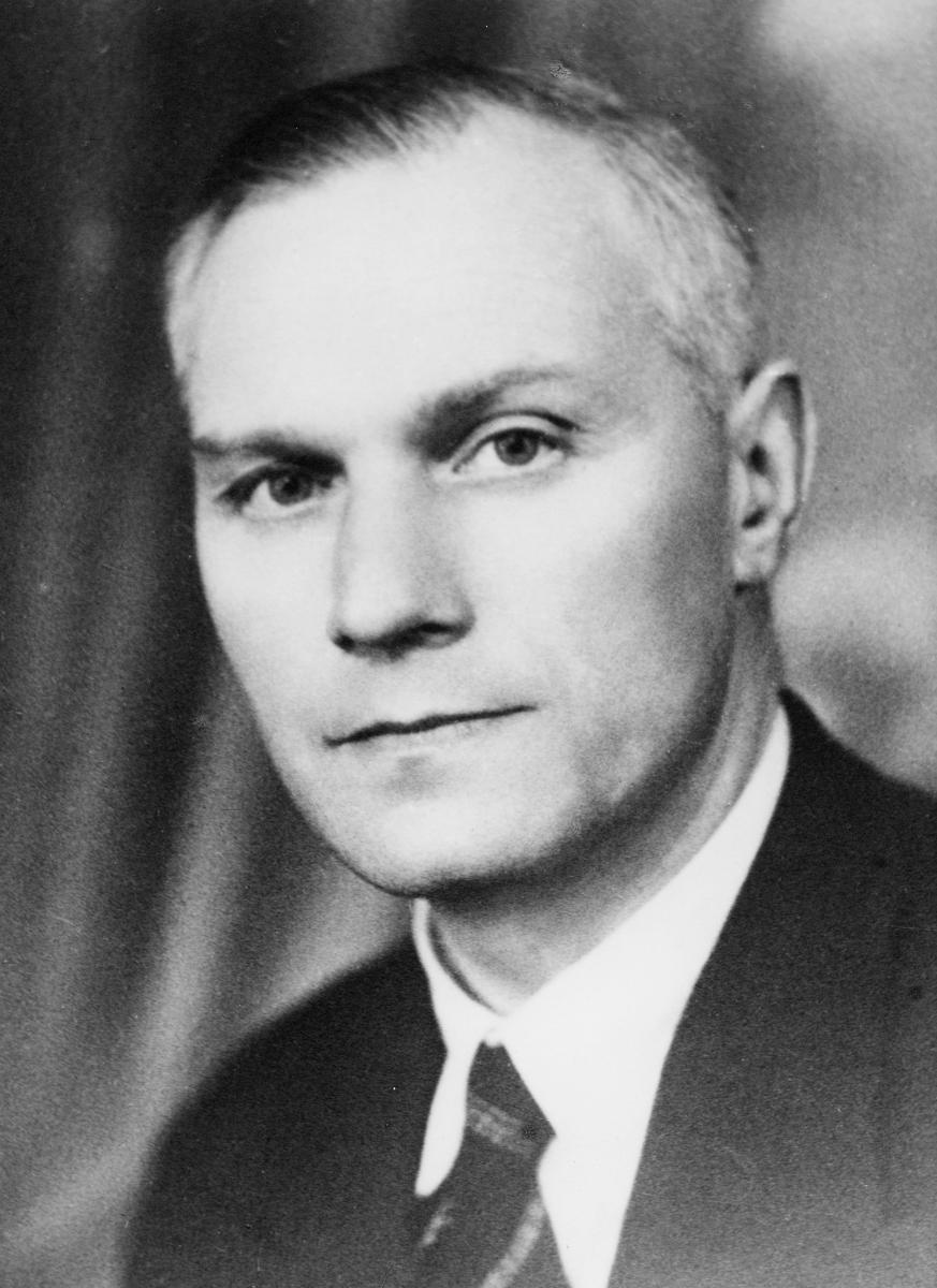 portrett, postmester, Hans B. Strand