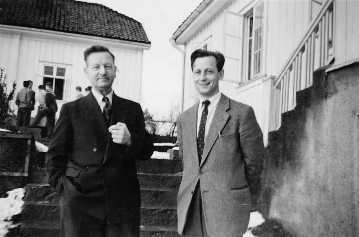 postskolen, forkurset, 1957, frøken Haarr, 2 menn, eksteriør