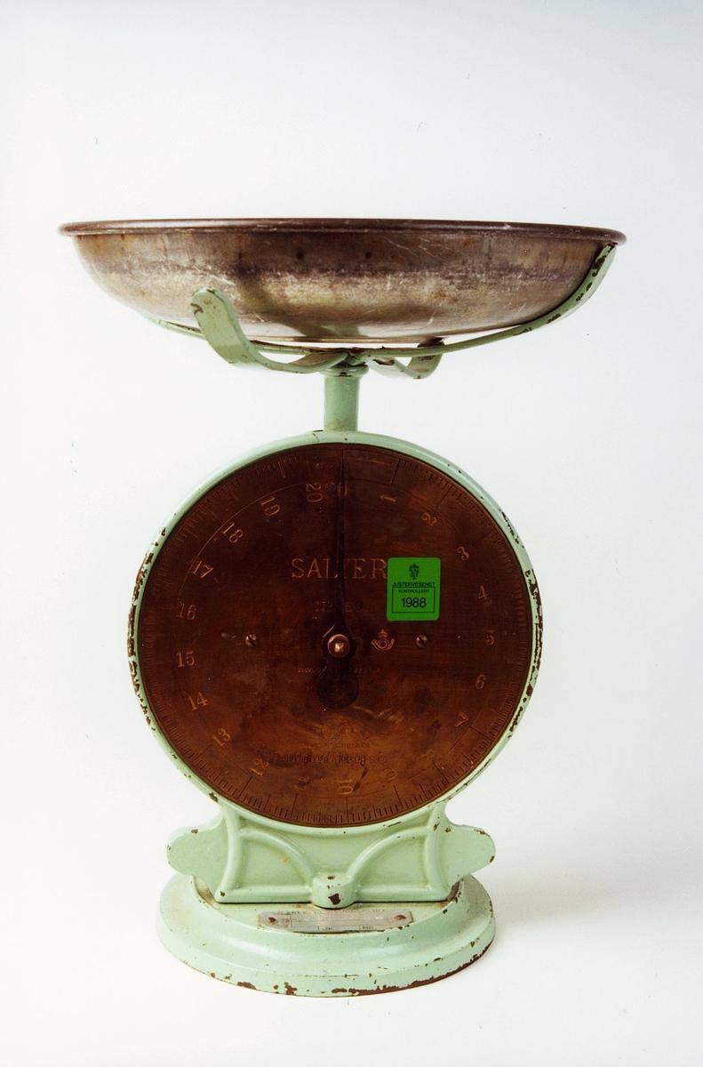 Postmuseet, gjenstander, vekt, fjærvekt, pakkevekt med rund skål, Salter No 50.