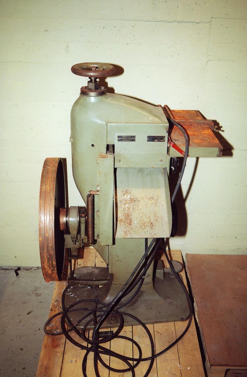 postsparebanken, postbanken, Biskop Gunnerus g. 14, maskiner, James Rohdin / Stäket HM2 1359, grønn maskin med ratt på toppen, stort hjul på siden