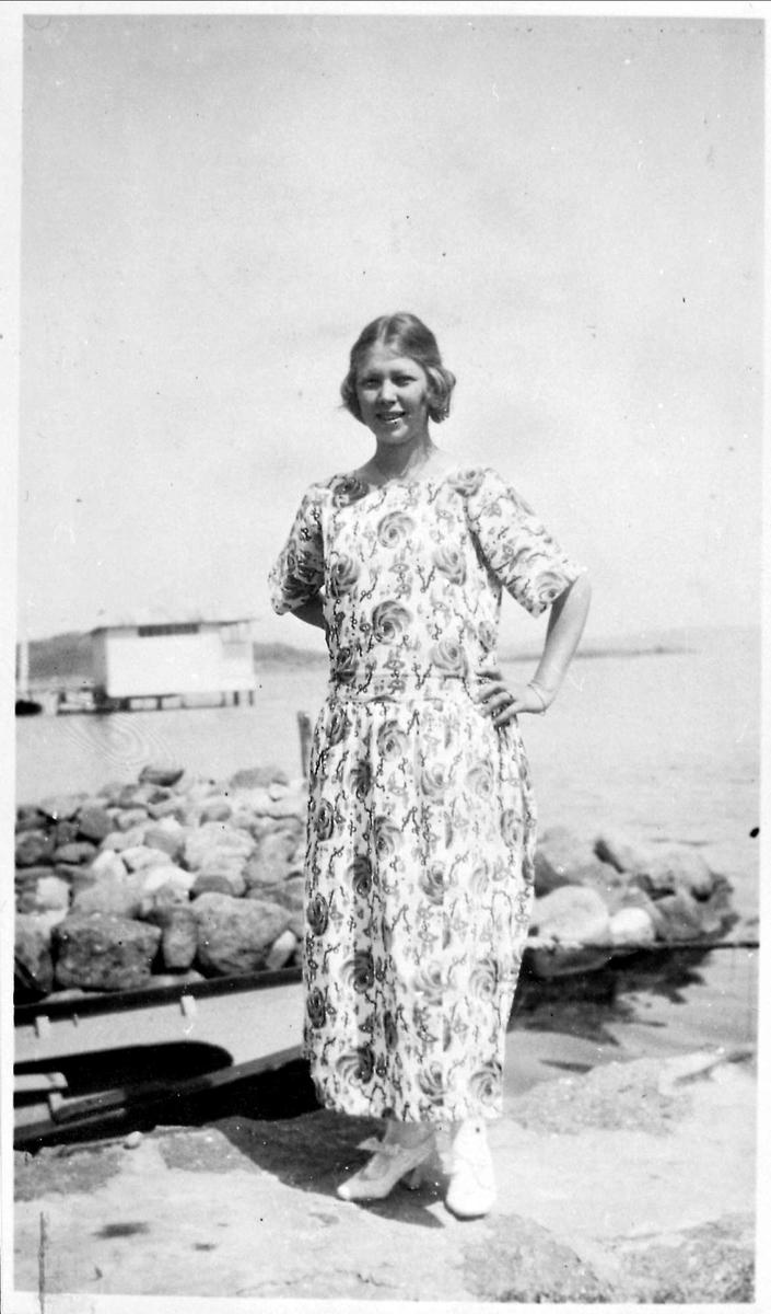 Kvinne, sommer, sjø