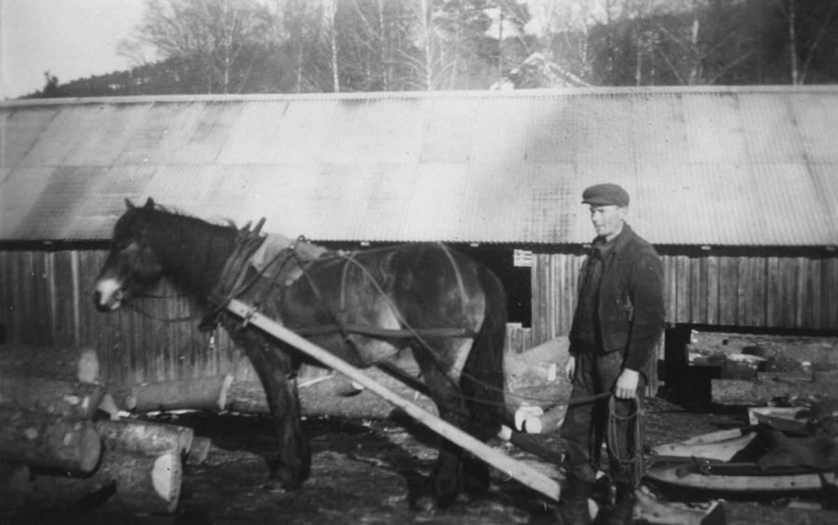 """Kåre Gjevik og """"Bronen""""."""