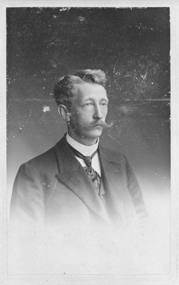 Portrett av Nils Friis Daae (28/2 1869 - 1963)