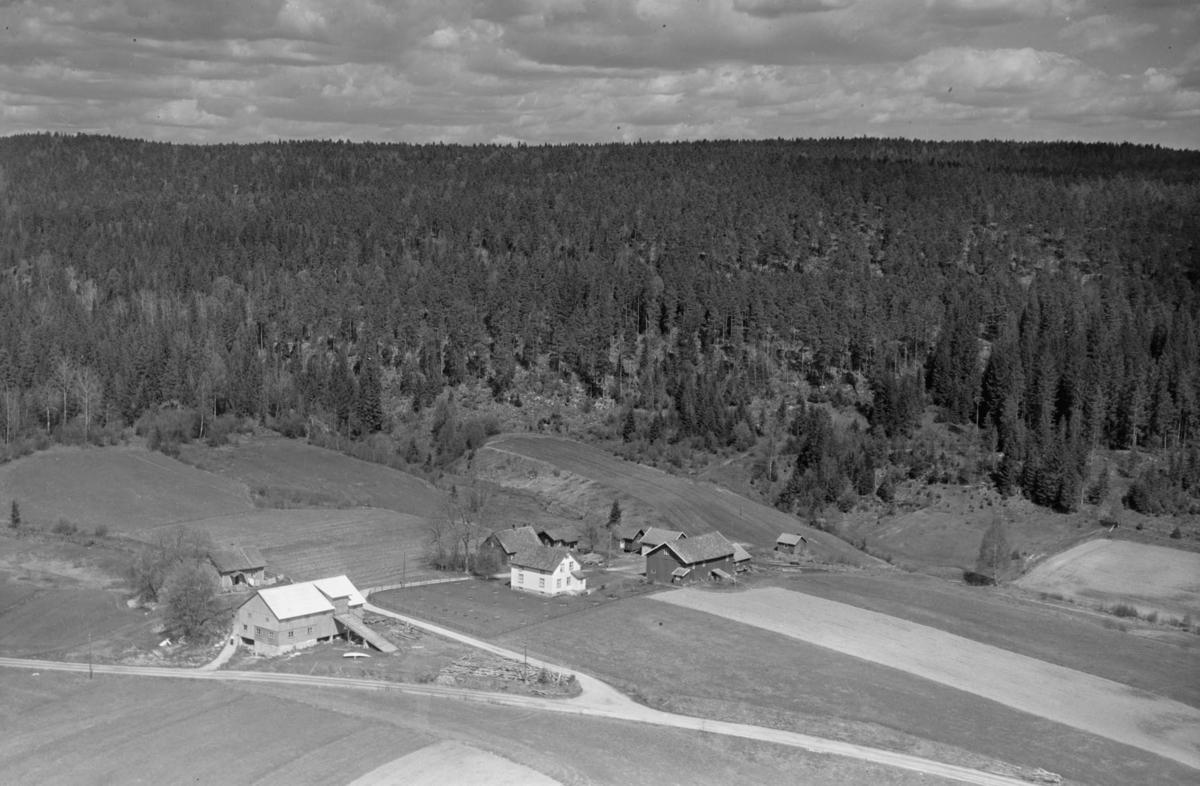 AURSKOG-HØLAND STUDSRUD, VESTUA (til venstre) OG ØSTUA (til høyre)