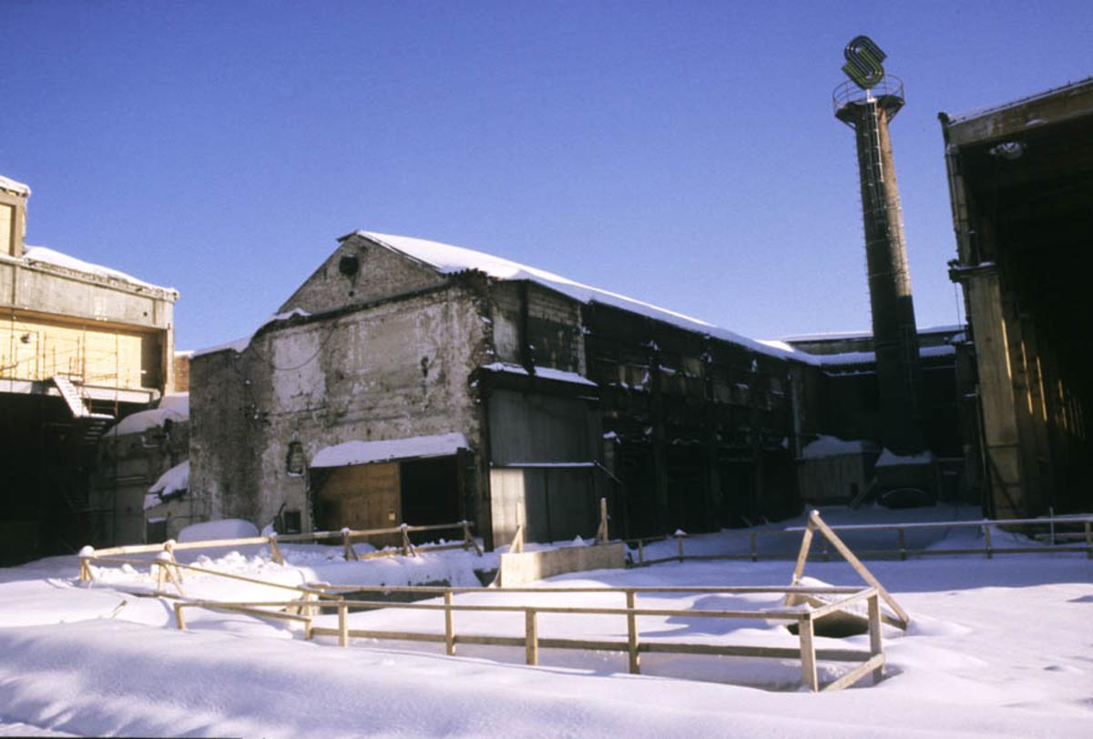 Strømmen Staal under ombygging til Strømmen Storsenter, vinter eksteriør