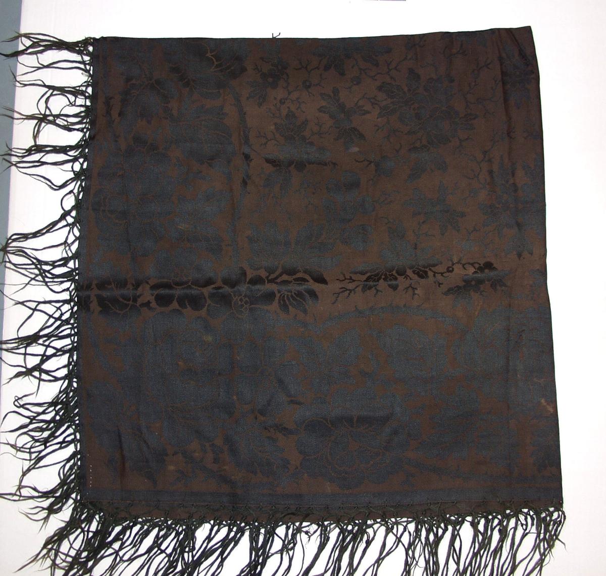 Form: Stort sjal med frynser 16 cm