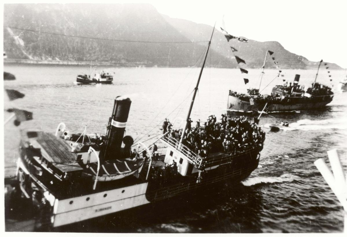 Motiv: Kongeferden nordover 1946. I Trondheim fra jageren STORD