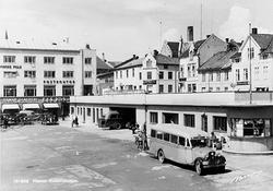 ØSTRE TORG, RUTEBILSTASJON, RUTEBILTAKET, POSTHUSET, HAMAR S