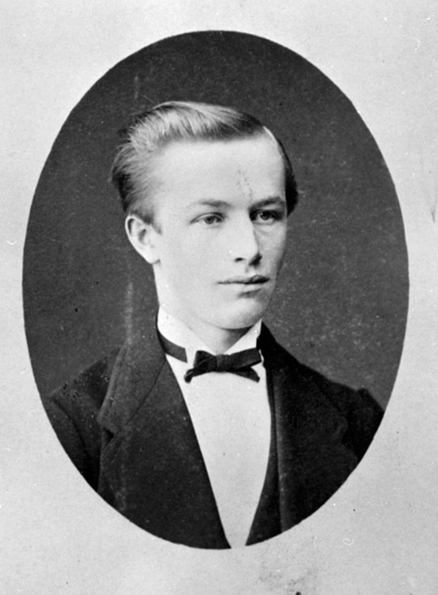 Portrett av Mathias Johannesen Narud f.13.2.1852, Øverkvern, Furnes.