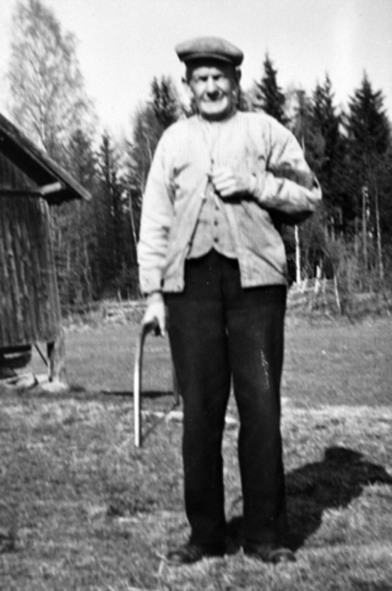 Portrett, Mikkel Kolseth, tømmerhugger, Gjerlubakken, Gjerlaug, Furnes, Ringsaker.