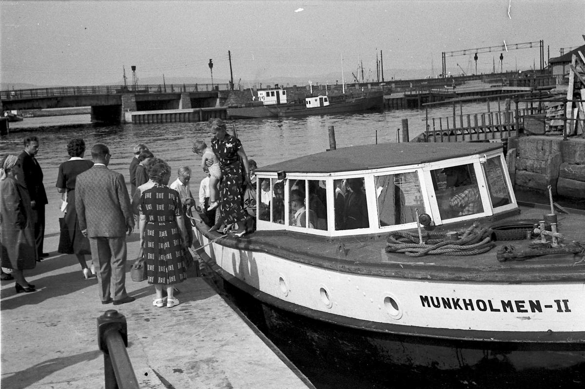 Munkholmbåten ved kai i Ravnkloa