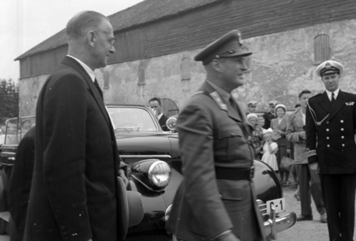 HAMARDAGEN 1955, KRONPRINS OLAV ANKOMMER HEDMARKSMUSEET, DOMKIRKEODDEN