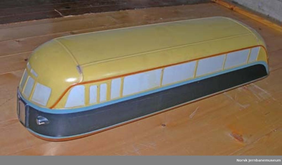 """Modell av skinnebuss fra Valdresbanen litra Cmb nr. 109, populært kalt """"Kristine Valdresdatter"""" - produsert av Strømmens modellverksted"""