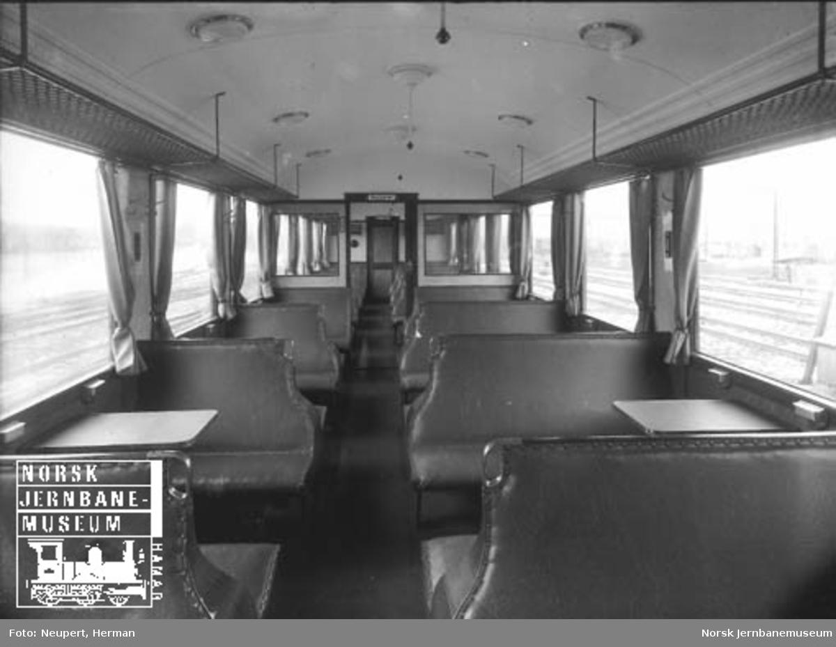 Interiørbilde fra personvogn litra Co3d til Hardangerbana