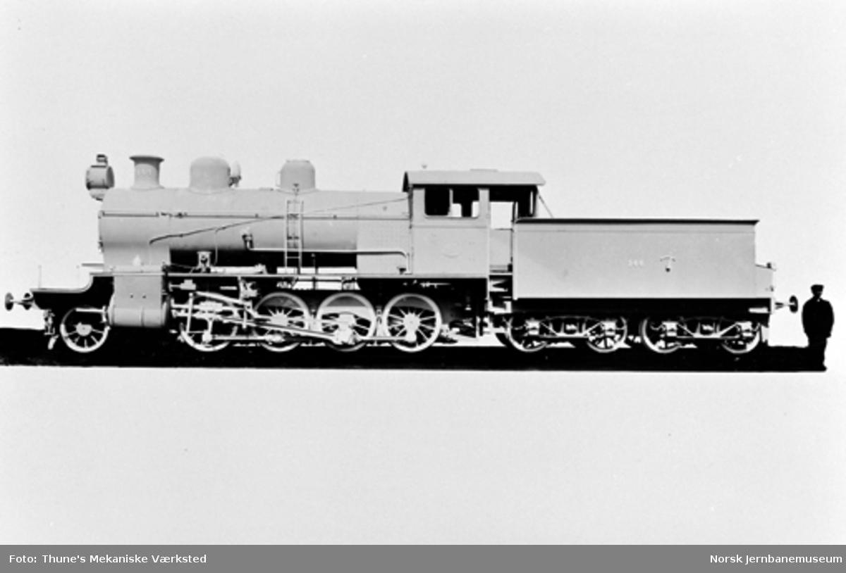 Leveransefoto av Gjøvikbanens damplokomotiv type 22a nr. 144