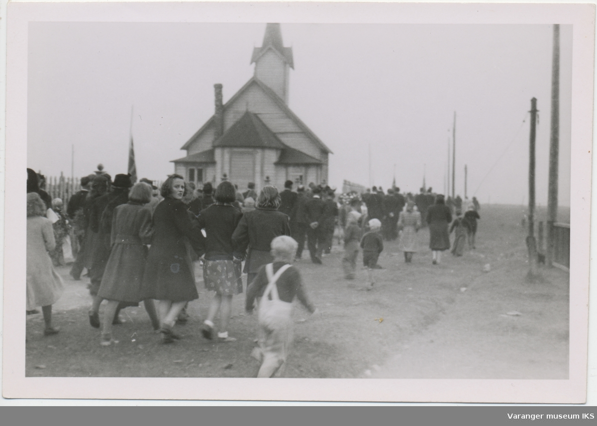 Gravfølge ved kapellet
