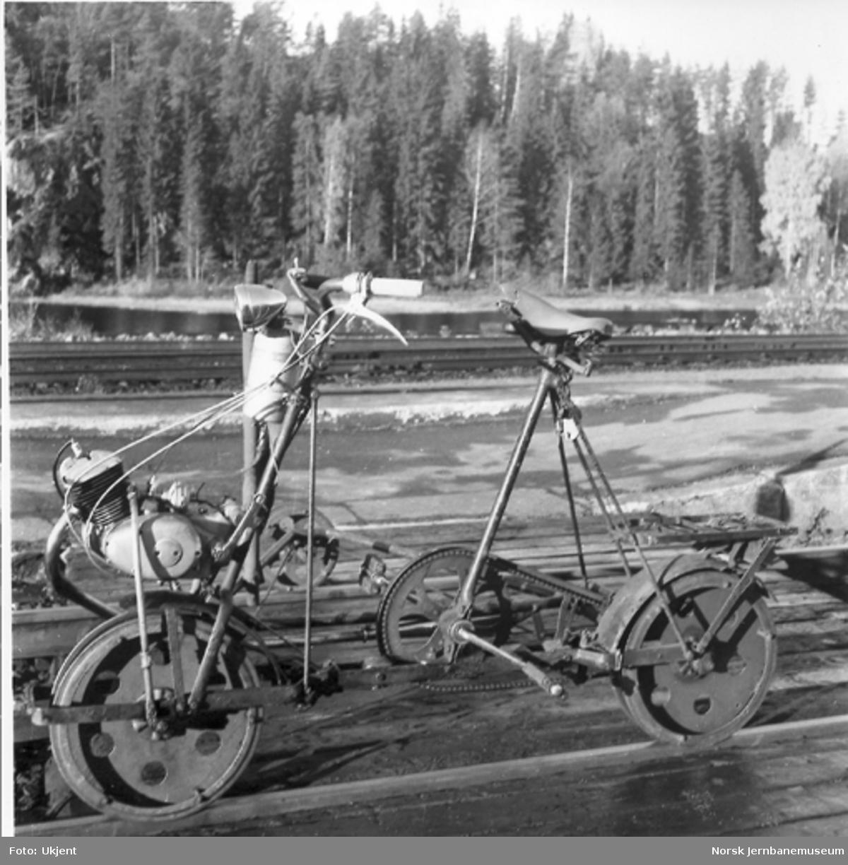 Trehjuls sykkeldresin med forhjulsmontert Simpson 50 cm3-motor