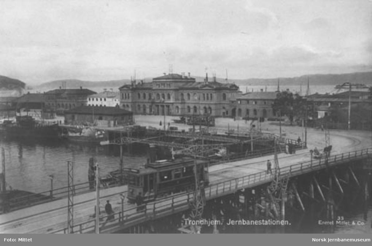 Trondheim stasjon fra bysiden