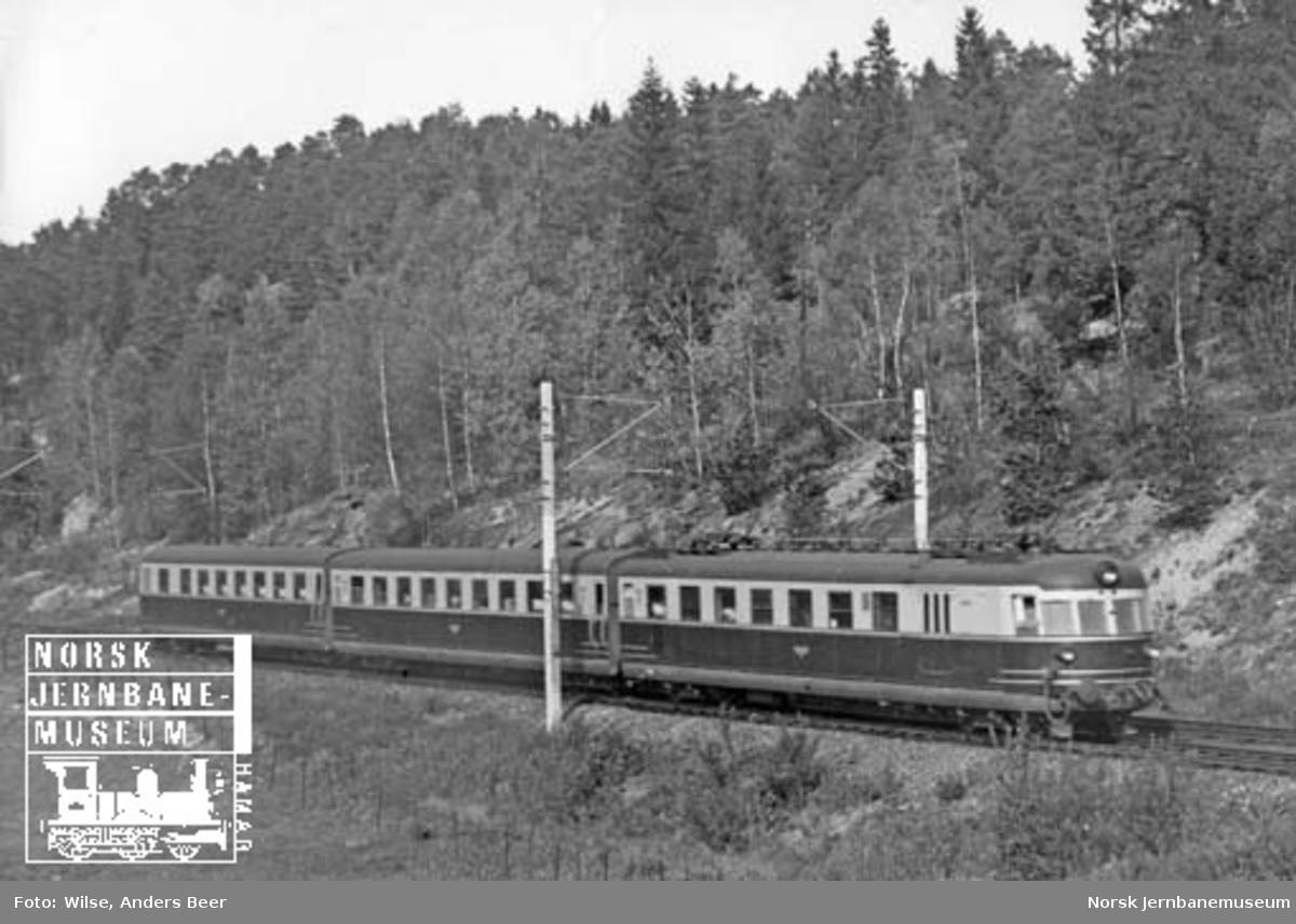 Elektrisk ekspresstogsett type 106 (66)
