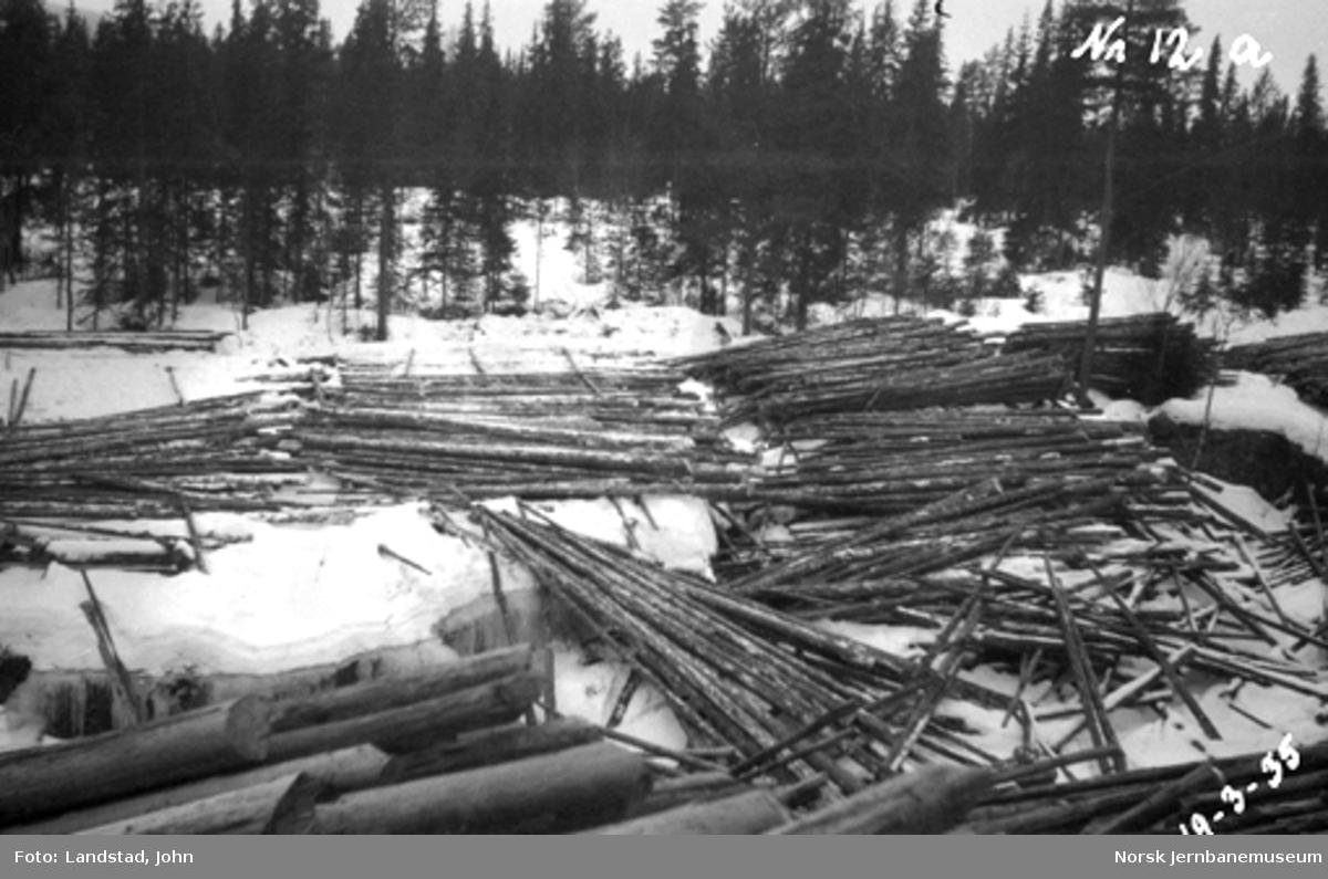 Tømmervelter ovenfor Sorknes bru i Hovda elv