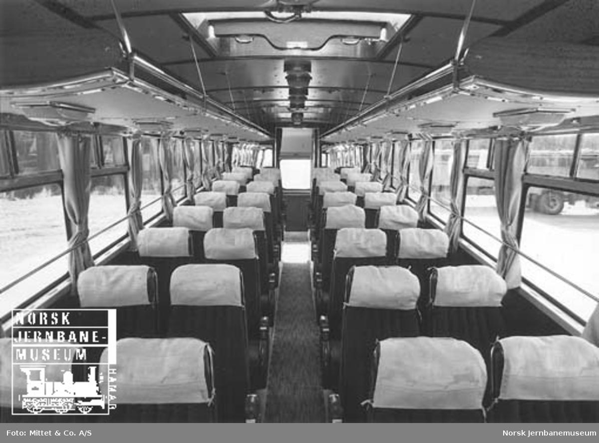 "Statsbanenes Bilruters ""Europabus"" Scania-Vabis D-14811 med prøveskilt : eksteriør og interiør"