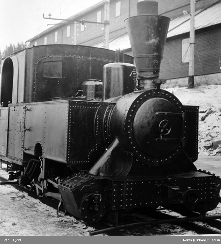 Thamshavnbanens anleggs-damplokomotiv, kjøpt brukt fra Nesttun-Osbanen